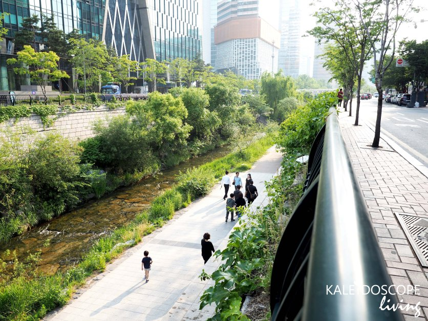 Travel_Korea_Seoul_Insadong_Hanbok_韓國_首爾_韓服_Cheonggyecheon Stream
