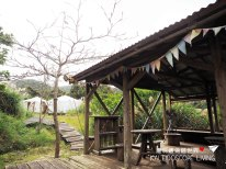 Travel_Japan_Okinawa_Beach_Rock_Village_Cafe_Forest_Tree_House